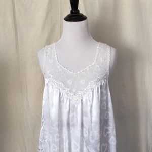 White rose 🌹 heart ❤️ pattern lace night slip